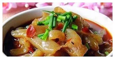 美食推荐:泡椒烧魔芋,红烧鱼条,蒜台炒肉丝