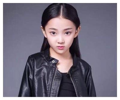 """10岁演""""白娘子"""",11岁演貂蝉,今13岁在《知否》中演墨兰走红"""