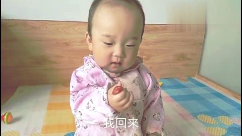 葫芦岛!宝贝吃小柿子,低着头就是造,谁也不看!