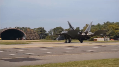 F-22猛禽尾翼上的FF含义为弗吉尼亚州战机联队