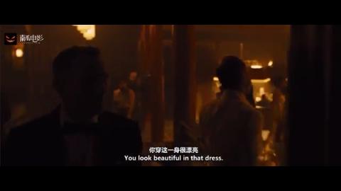 007:邦德来赌场,拿出红色牌子兑换现金,不料竟能兑换400万欧元