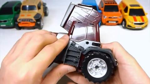 吉普车轿车直升飞机玩具拼装机器人