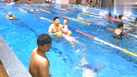 暑假小朋友忙的不亦乐乎,老妈也忙的晕乎乎,游泳开始了加油吧!