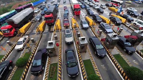 高速公路收费期限到期,还会不会收费了?看完清楚了