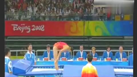 她,世界奥运冠军,一个把外国选手的蹦床公主——何雯娜