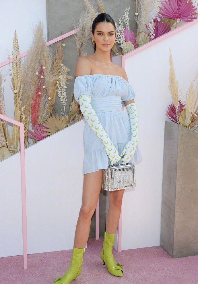 科切拉音乐节第三天,超模Kendall Jenner,出席Revolve派对活动