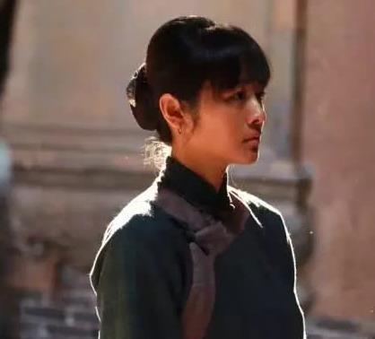 《白鹿原》里的冷秋月,看她穿旗袍的样子