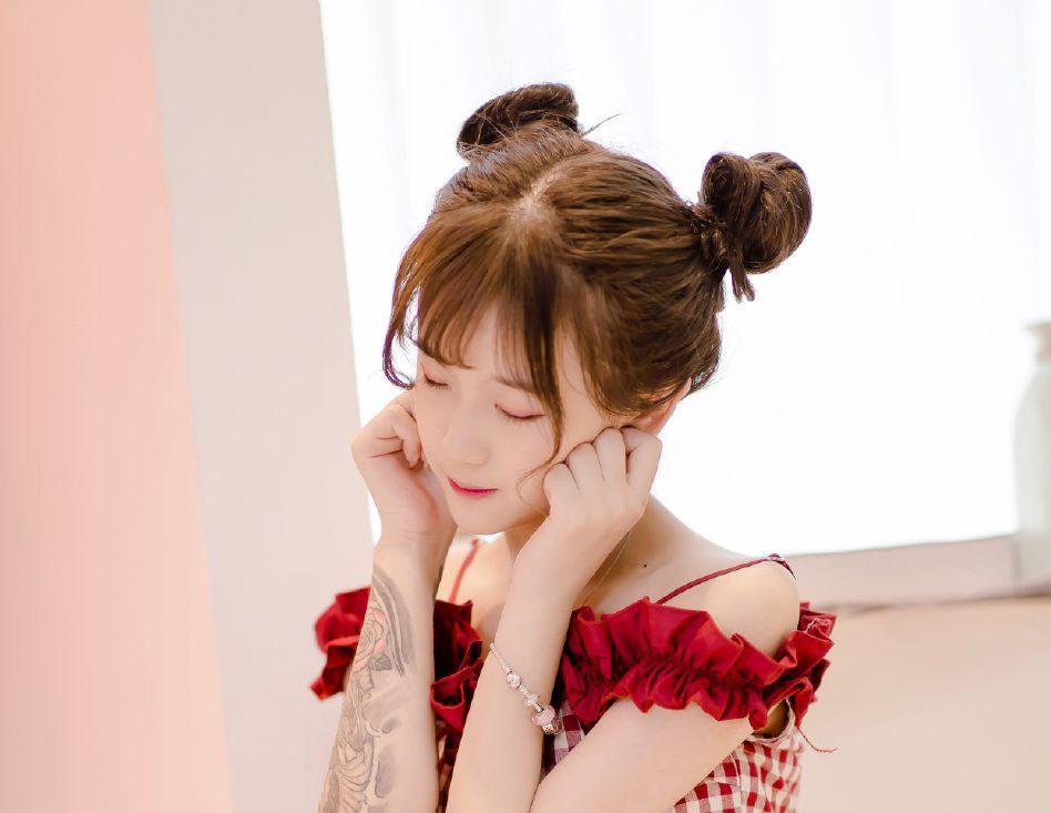20岁的杨清柠很美?网友:比不上20岁时陈好的颜