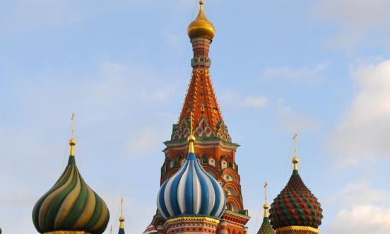 叶利钦女儿60岁生日,普京亲往道贺,并奉送一套精美瓷器