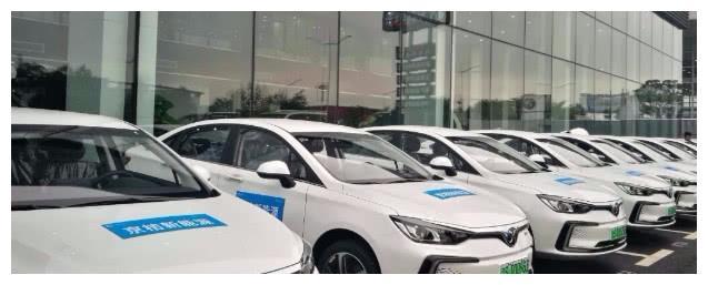 海马董事长喊话:买新能源汽车有两类人,一类是土豪,一类是穷人