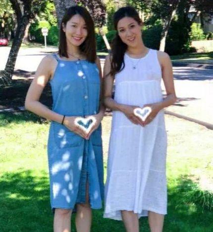 李亚男挺孕肚与怀孕七个月的钟嘉欣相拥,甜蜜对视