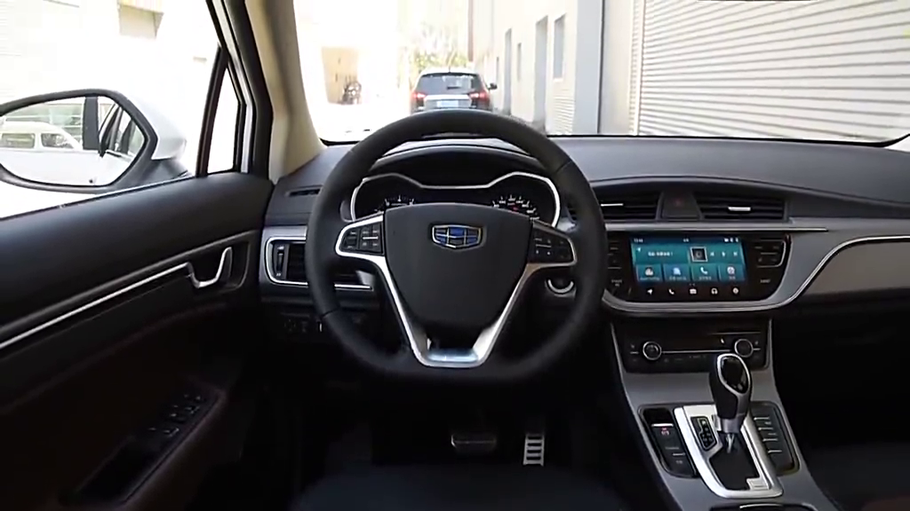 视频:帝豪GS车内功能演示,家族化设计,适合年轻人