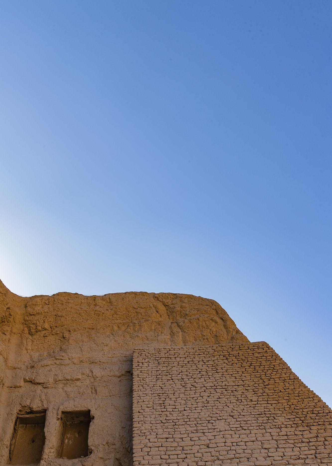 想要了解高昌回鹘国的壁画,到吐鲁番的柏孜克里克石窟来