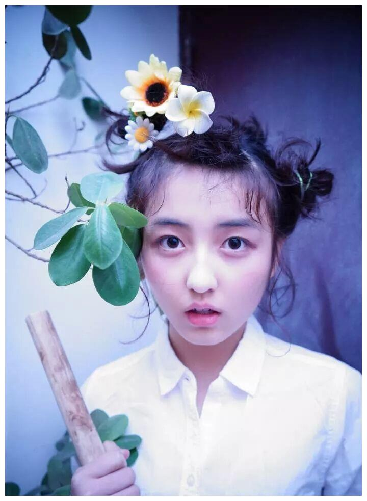 最有潜力的零零后小花,张子枫、彭昱畅电影爆火,她选择出国深造
