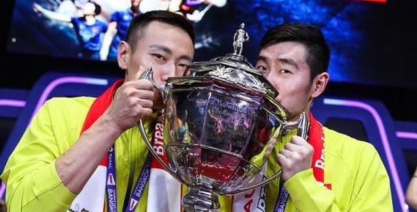 世界冠军拆对1喜1忧!两届奥运冠军张楠新组合晋级 刘成组合1轮游