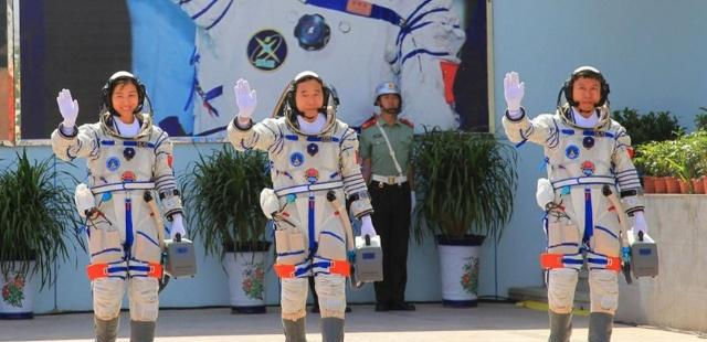 """中国首位""""女航天员""""刘洋,现状如何"""