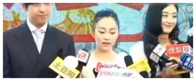 吴秀波被扒出六年前探班陈昱霖,网友:眼神是真爱啊