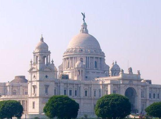 加尔各答以其文学、艺术和革命遗产著称,是印度现代文学的诞生地