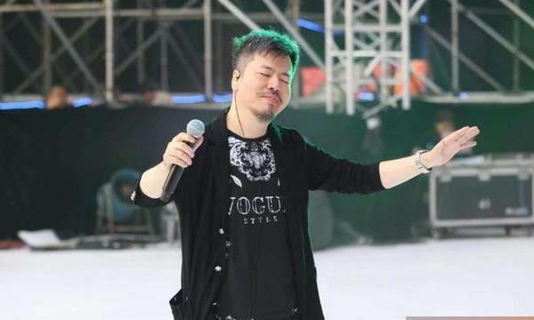 某台湾艺人在演唱会开演唱会,唯一的一次寥寥数人