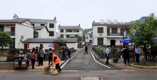 一块墓碑确定江西抚州500年老村,竟是曹魏竹林七贤嵇康后人