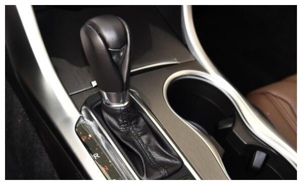 曾经丰田都怕的车型,长5米油耗仅需7L,跌至23万卖不动