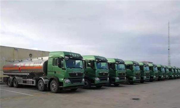 中国重汽国六HOWO-T5G交付胜利油田出色品质备受信赖