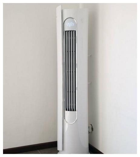 客厅不要还买柜式空调了,现在都流行圆柱形空调,一问才知好处多