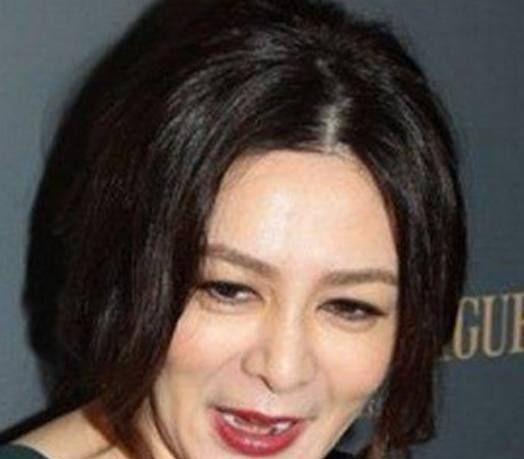 5个香港女星,关之琳老了,刘嘉玲老了,她40岁却依然风姿卓越!