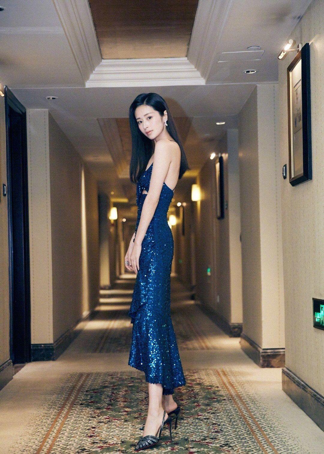 图集:颖儿活动新造型,湛蓝星河鱼尾裙尽显好身材