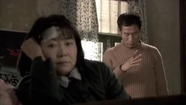 妻子为让酒精中毒的丈夫树立信心,让丈夫背她一次,结局真温馨!