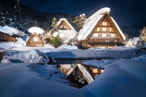 """这地方梦幻得被称为""""冬日的童话村"""",犹如世外桃源一般"""