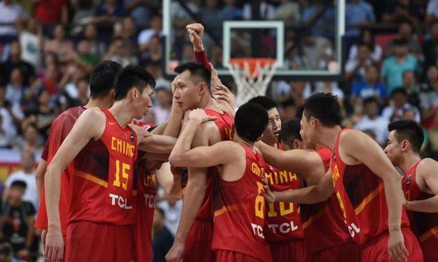 李楠为什么没带投手?杨毅:这是中国男篮的无奈CBA没这种人才