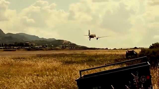 2019最新空战大片,新兵刚学会开飞机结果撞到了队友,太惨了!