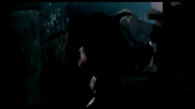 少女被俘虏,男子不顾危险前来营救,不幸双双中弹身亡!