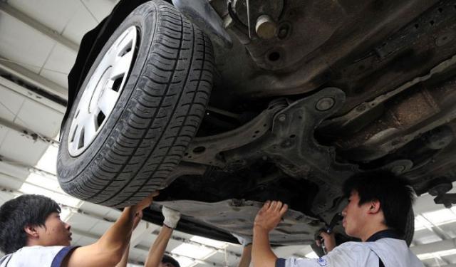 教你如何解决汽车发动机故障灯亮的问题