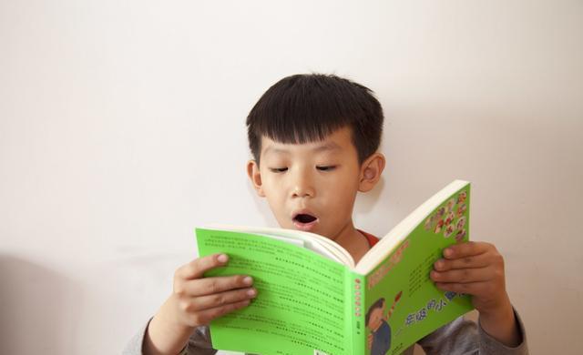小学生课外阅读,是依照教师的引荐好还是按小孩感兴味的书来好?