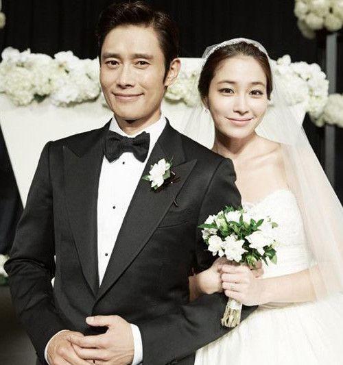 完美的家庭和优秀的老公,让李珉廷看起来越来越迷人