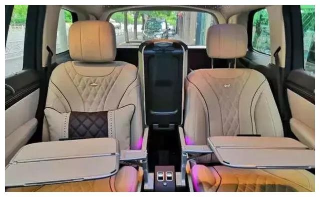 奔驰越野大沙发,GLS450加长版,尽显尊贵与奢华