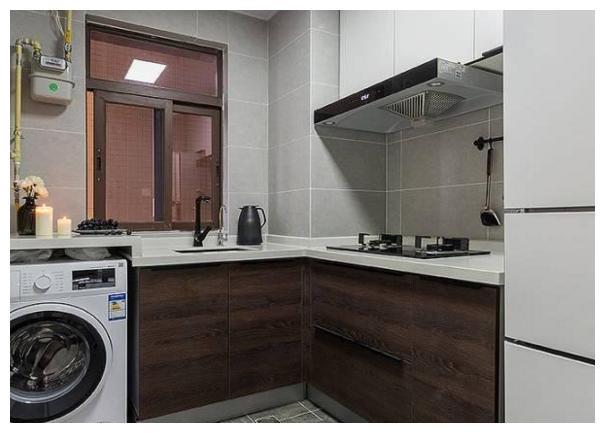 为什么外国人更喜欢把洗衣机放厨房?听师傅说完,才懂这些差异