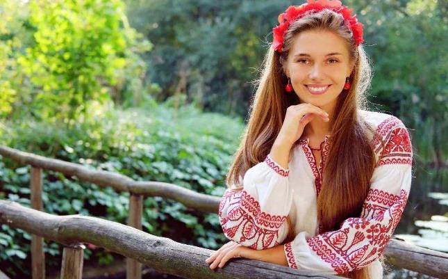"""最像""""俄罗斯人""""的中国人,为何不愿再回俄罗斯?当地美女告诉你网澳门红美女图片"""