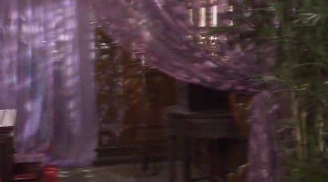 书剑情侠:虫虫担心三变,将客人捆起来,溜出妓院找三变?