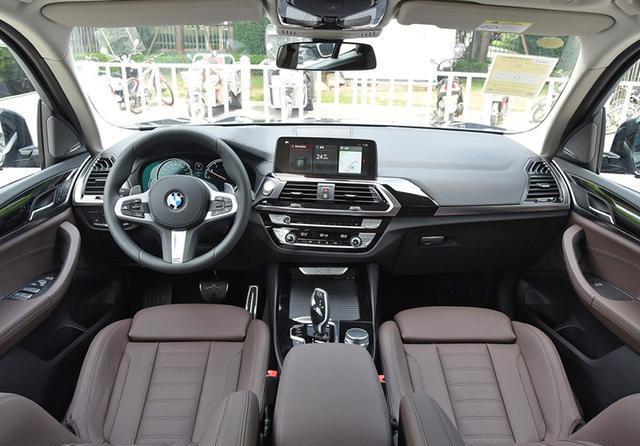 公认的豪华好车,配2.0T+8AT,外观大气!
