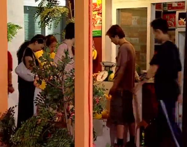 家有儿女:刘梅买菜路上偶遇病友,热情程度让刘梅难以招架