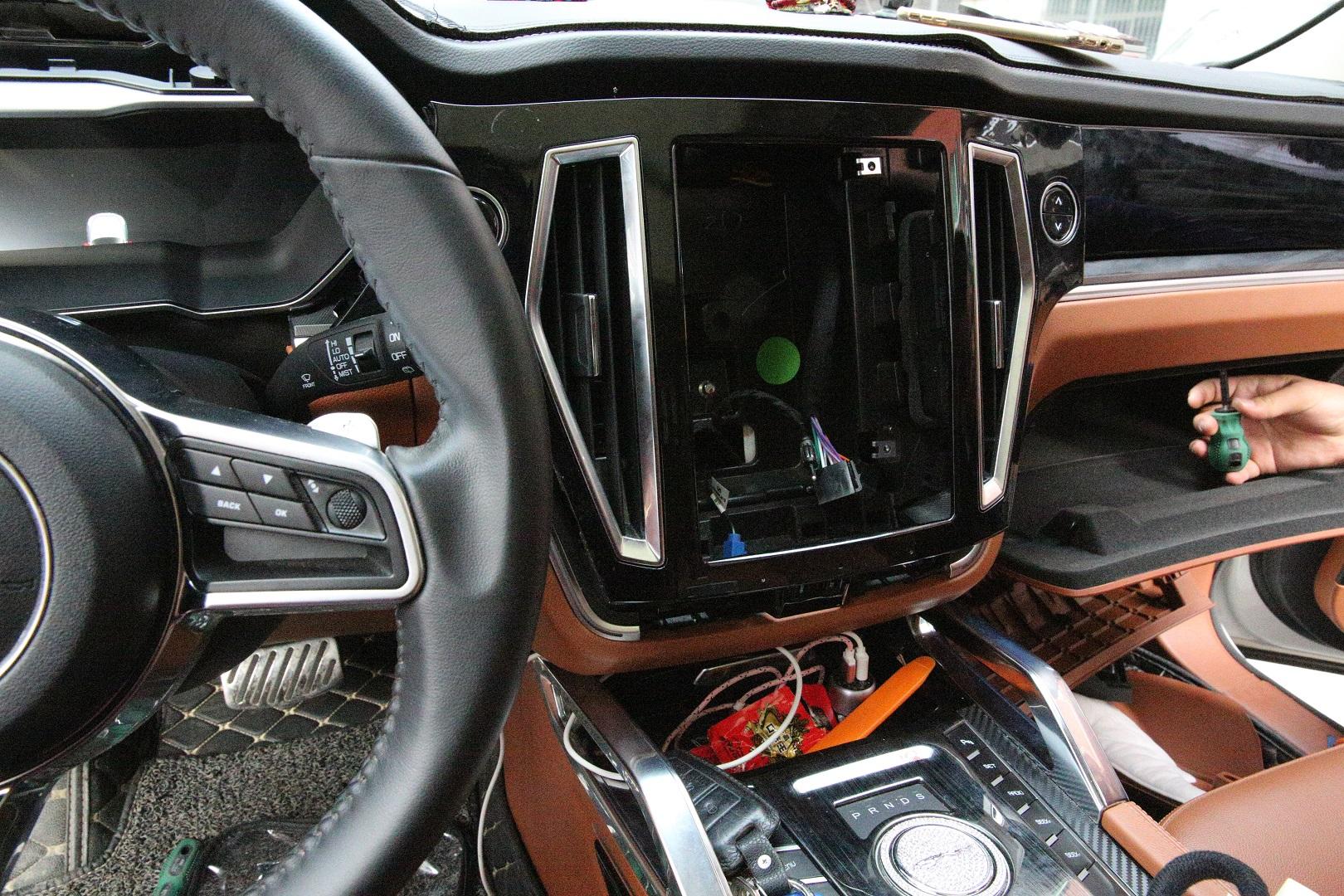 众泰T700升级讯图魔音宝盒DSP,音响改装经济实惠分享