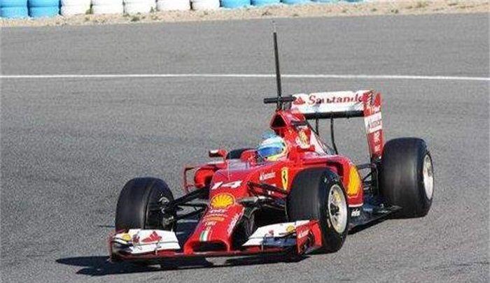 米纳迪赛车:象征速度,车身由碳纤维材质打造,时尚炫酷