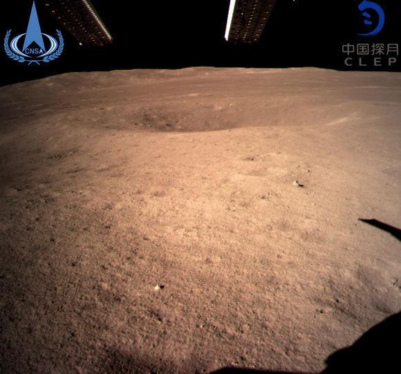 """嫦娥四号终于安全回到了""""娘家"""",传回来的照片却被玩坏了"""