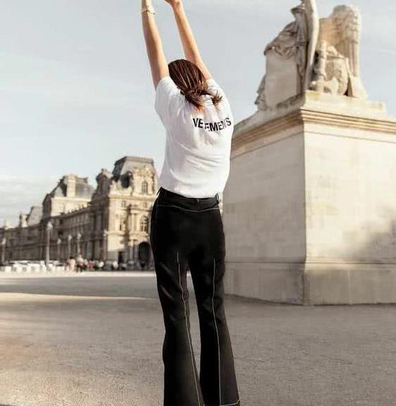 高腰阔腿裤打造高腰线,显高显瘦,才是夏季最佳单品