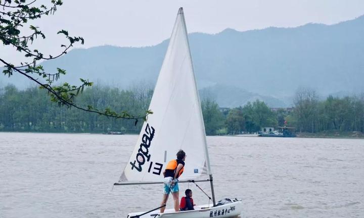 快来抢!两天一夜包住宿!带你免费学帆船!