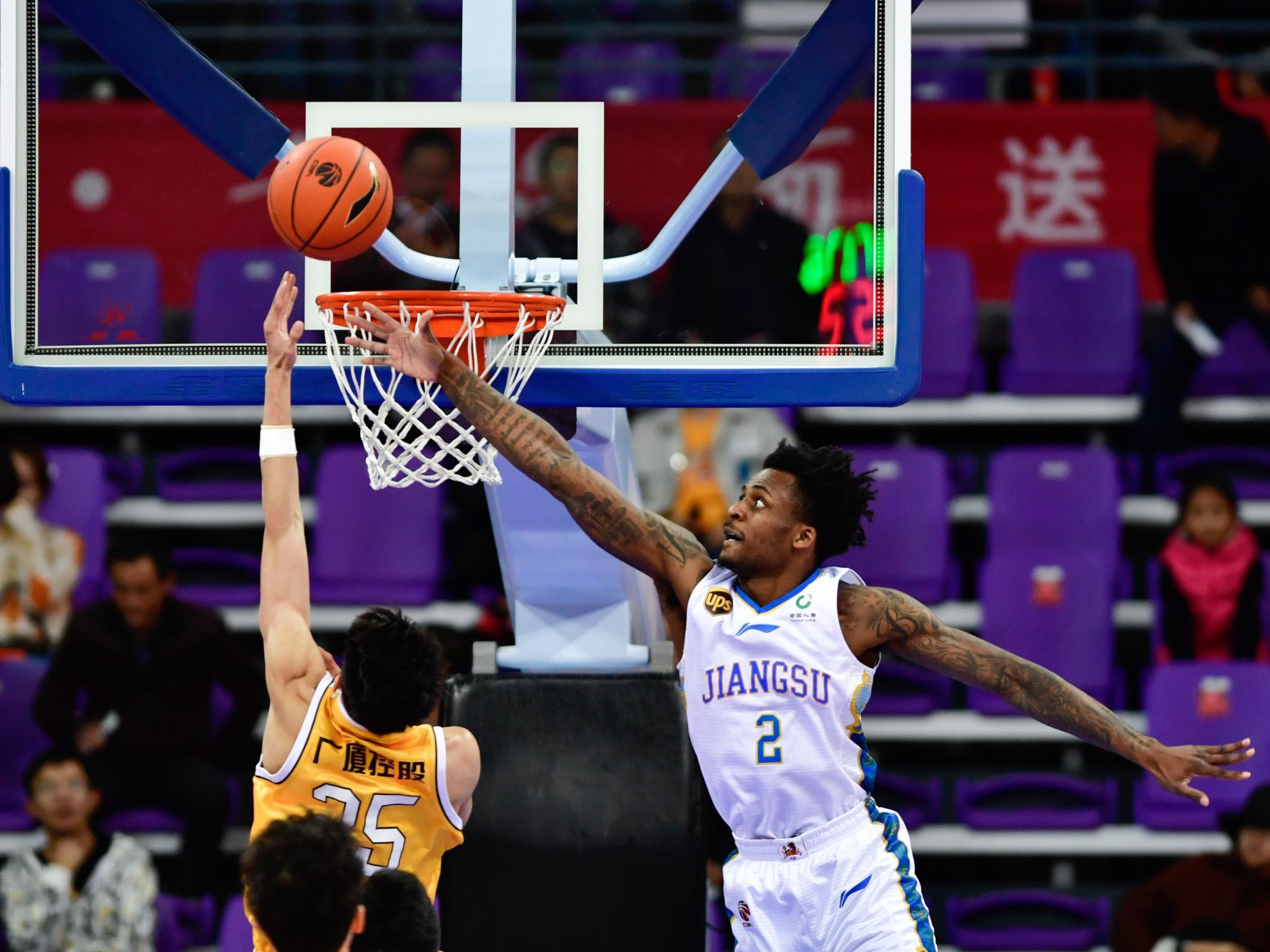 篮球——CBA季前赛:浙江广厦胜苏州肯帝亚