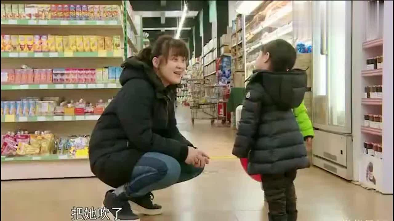 梅婷女儿在超市打人拒道歉梅婷老公严厉教育愤然离去